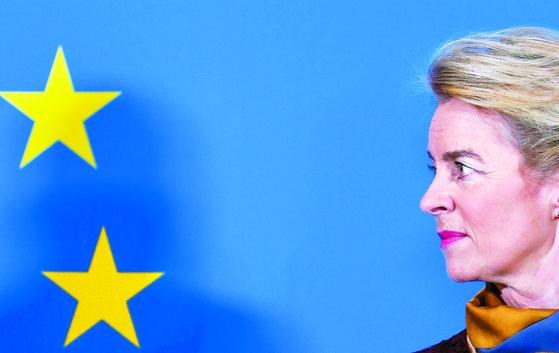 EU 첫 여성 집행위원장 체제 출범
