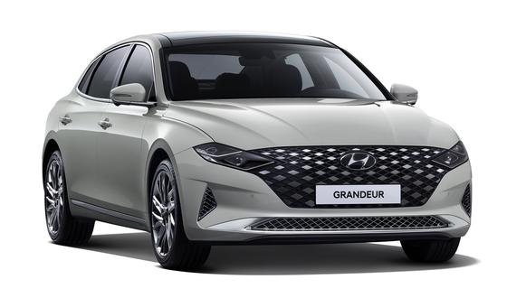 11월 국내 시장에서 가장 많이 팔린 차는 현대차의 그랜저로 집계됐다. 그랜저가 월간 베스트셀링 카에 오른 건 지난 4월 이후 처음이다. [사진 현대자동차]