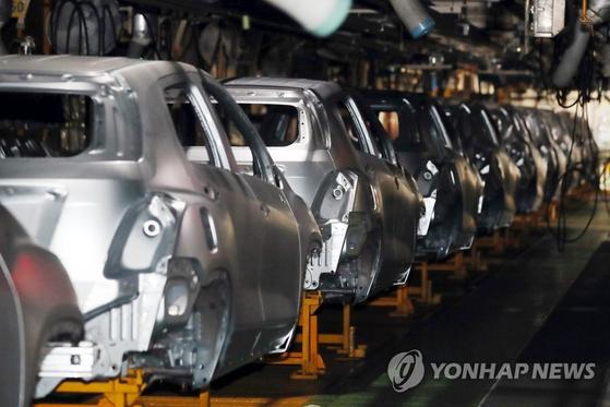 한국지엠(GM) 노조가 전면파업한 9월 9일 인천 부평구 한국GM 부평공장 내 차량 제조 설비들이 멈춰 있다. [연합뉴스]
