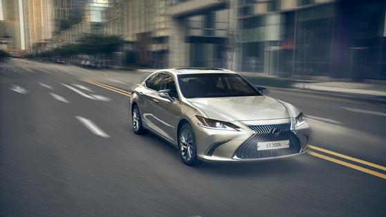 대폭 할인 내건 일본차, 지난달 판매량 늘었다