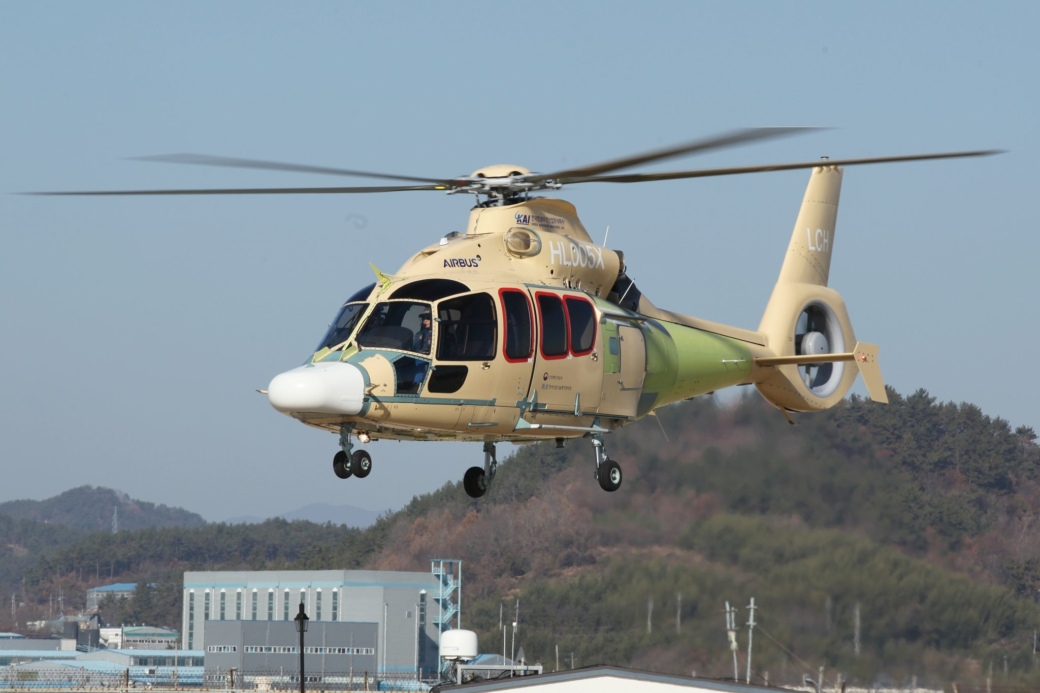 KAI, 국내 제작 소형 민수헬기 첫 비행 성공