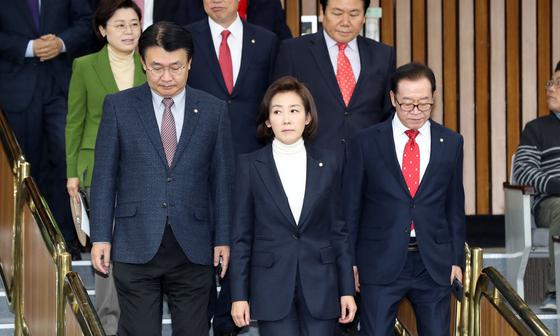 나경원 자유한국당 원내대표가 6일 오전 서울 여의도 국회에서 열린 당 원내대책회의에 참석하고 있다. 이날 열린 회의는 나 원내대표가 주재한 마지막 원내대책회의였다. 김경록 기자