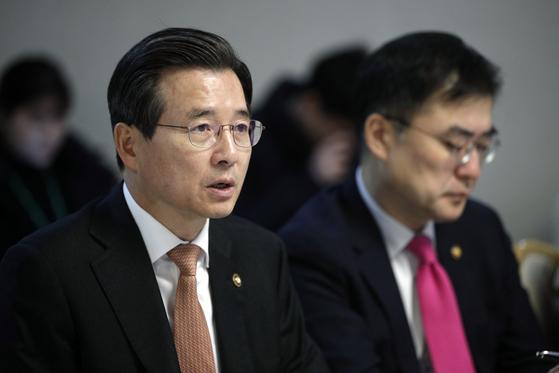 김용범 기획재정부 1차관이 9일 오전 정부서울청사에서 열린 거시경제 금융회의에서 모두발언을 하고 있다. [뉴스1]