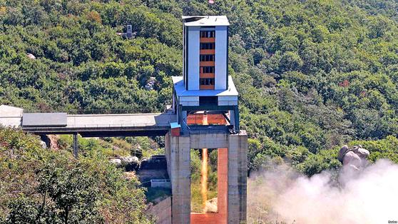 북한의 장거리 미사일 실험장인 '서해위성발사장'(평북 동창리). [중앙포토]