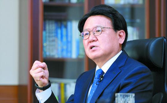 황운하 대전지방경찰청장은 한국당과 검찰의 '혹세무민'이라고 비판했다. 프리랜서 김성태