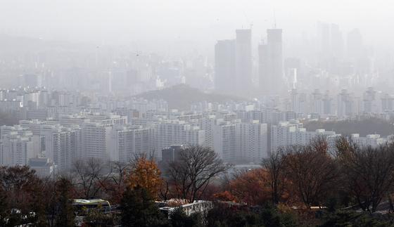 11월 18일 서울 남산에서 바라본 아파트 단지들 [연합뉴스]