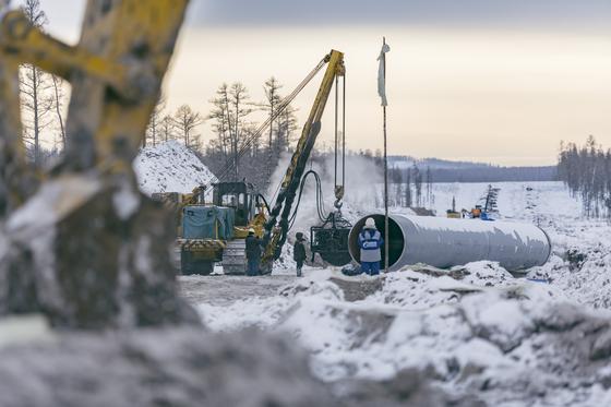 지난 2일 러시아와 중국은 첫 파이프라인가스(PNG)인 '파워 오브 시베리아(POS 1)'의 가동을 시작했다. 양국은 두 번째 PNG인 '알타이가스(POS 2)'도 건설할 계획이다. [사진 가스프롬]