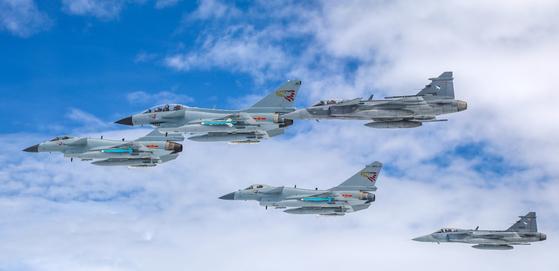태국과 연합 훈련에 나선 중국 공군 J-10C 전투기 [사진=중국인민해방군]