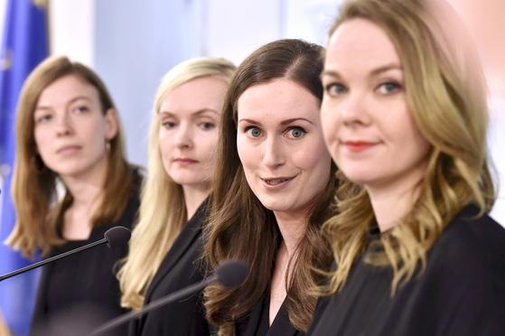 핀란드 34세 여성 총리의 여초 내각