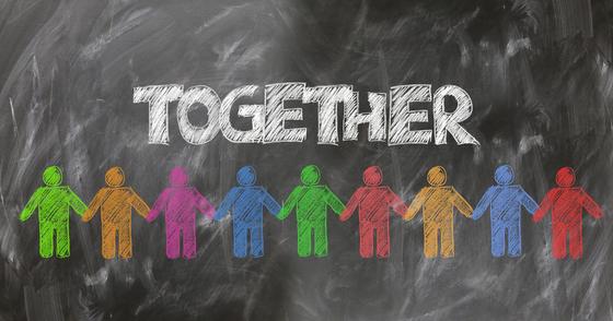 사람 대 사람으로서 터놓고 목소리를 내고, 그걸 들어주고, 다른 어느 무엇보다 '사람'의 목숨이 중하다는 마음을 갖는 것이 중요하다. [사진 pixabay]