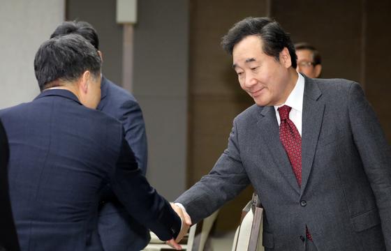 차기 지도자 호감도 1위 이낙연…비호감 1위는 안철수