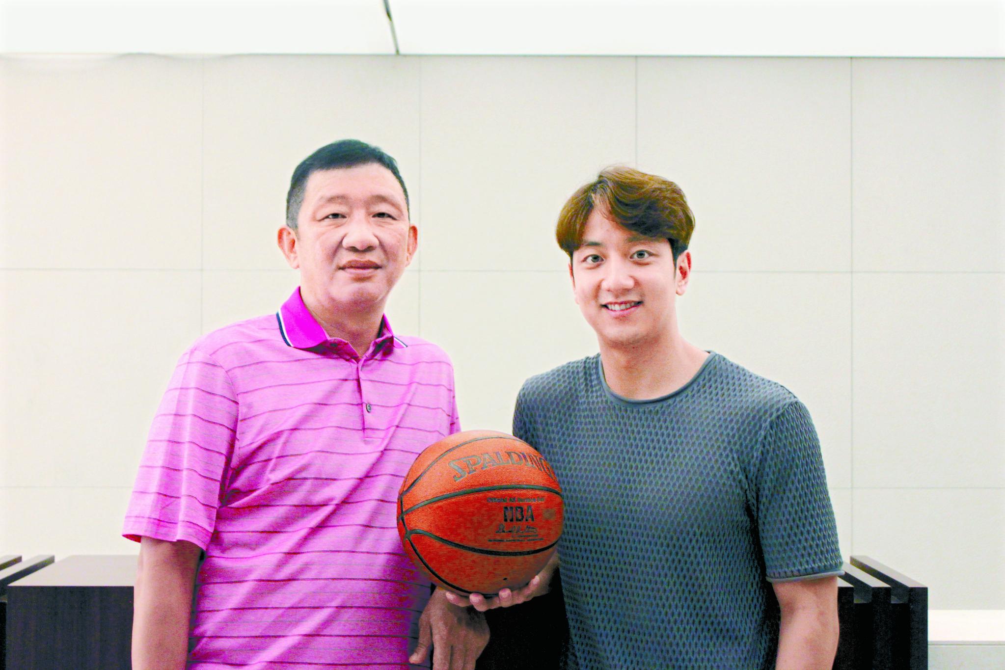 허재 전 농구대표팀 감독과 허훈. 박린 기자