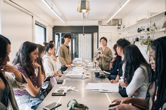 서촌유희의 체험 프로그램 중 하나였던 'K-라이프스타일.' 가장 한국적인 삶을 살아보는 하루를 체험할 수 있다. [사진 스테이폴리오]
