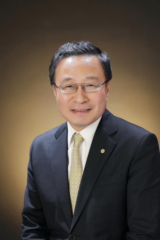 유홍준 사회학과 교수(58년생, 인문사회과학캠퍼스 부총장 겸 학부대학장)