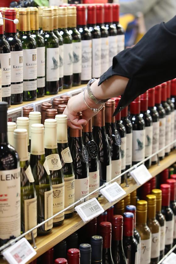 와인, 수입맥주보다 더 팔렸다