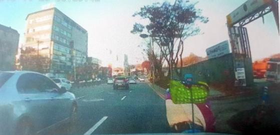아우디 승용차의 사고 당시 블랙박스 화면. [인천 연수경찰서 제공=연합뉴스]