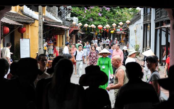 유네스코 세계유산에 등재된 베트남 호이안 거리. 한국인이 많이 찾는 다낭에서 가깝다. 최승표 기자