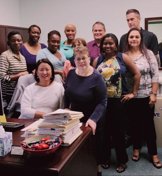 미국 플로리다 주정부 재활상담센터에서 동료들과 함께 사진을 촬영한 조아영 교수
