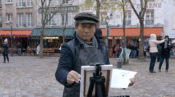 34년간 중학교 미술교사로 살아온 아버지 민형식 씨. 아버지에게는 오래전부터 이루지 못한 꿈이 있었다. [사진 영화사 목요일 아침]