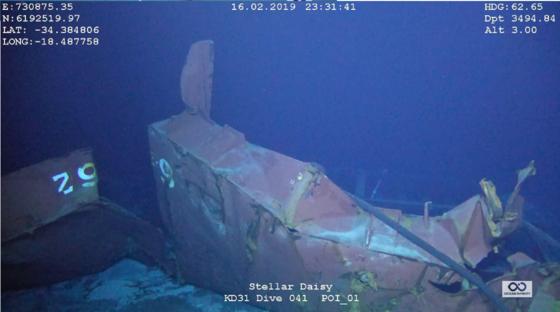 2017년 3월 31일 우루과이 인근 남대서양 해역서 침몰한 스텔라데이지호의 선체 일부 모습. 올 2월 심해수색 전문업체인 미국 오션 인피니티사가 촬영한 사진이다. [사진 스텔라데이지호 가족대책위]
