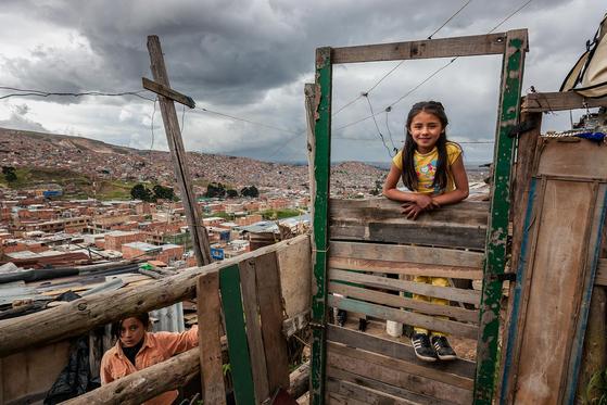 콜롬비아 몬테레이 지역에서 만난 한국 후원자의 컴패션 어린이. [사진 허호]