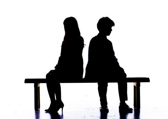 고령화, 핵가족화 등으로 가족의 형태와 가족에 대한 의식이 바뀐 요즘은 자녀들보다 배우자의 중요성과 긴밀성이 더 커졌고, 부(富)의 대물림에 대한 생각도 변하고 있다. [중앙포토]