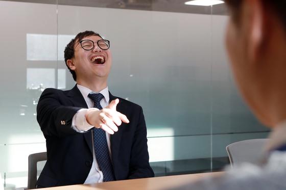 웃음은 면역력 증가와 스트레스 해소에 도움된다. [사진 자생한방병원]