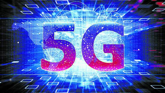 이동통신 3사 CEO들은 지난해 성과로 세계 최초 5G 상용화를 꼽았다. [중앙포토]