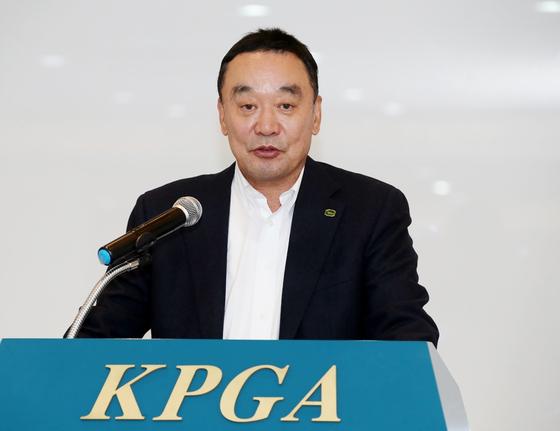 18대 KPGA 회장에 취임한 구자철 회장. [사진 KPGA]