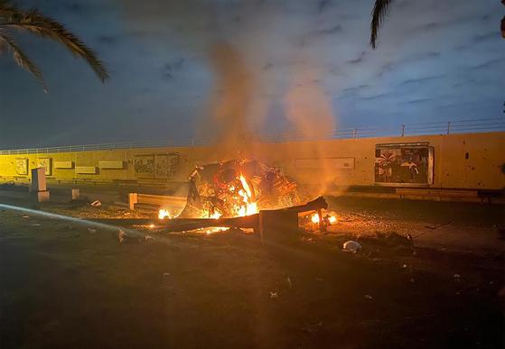 지난 2일(현지시간) 이라크 바그다드 공항 인근에서 차량으로 이동 중이던 거셈 솔레이마니 이란 혁명수비대 정예부대(쿠드스군) 총사령관이 미군 공습으로 사망했다. [AFP=연합뉴스]