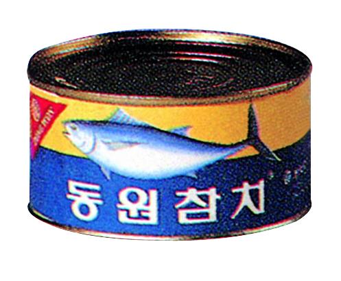 1982년 12월 출시 당시 동원참치 캔 제품 모습. 이후 '바다의 쇠고기'란 점을 강조하기 위해 살코기란 단어를 넣은 '동원참치 살코기캔'으로 리브랜딩했다. [사진 동원그룹]