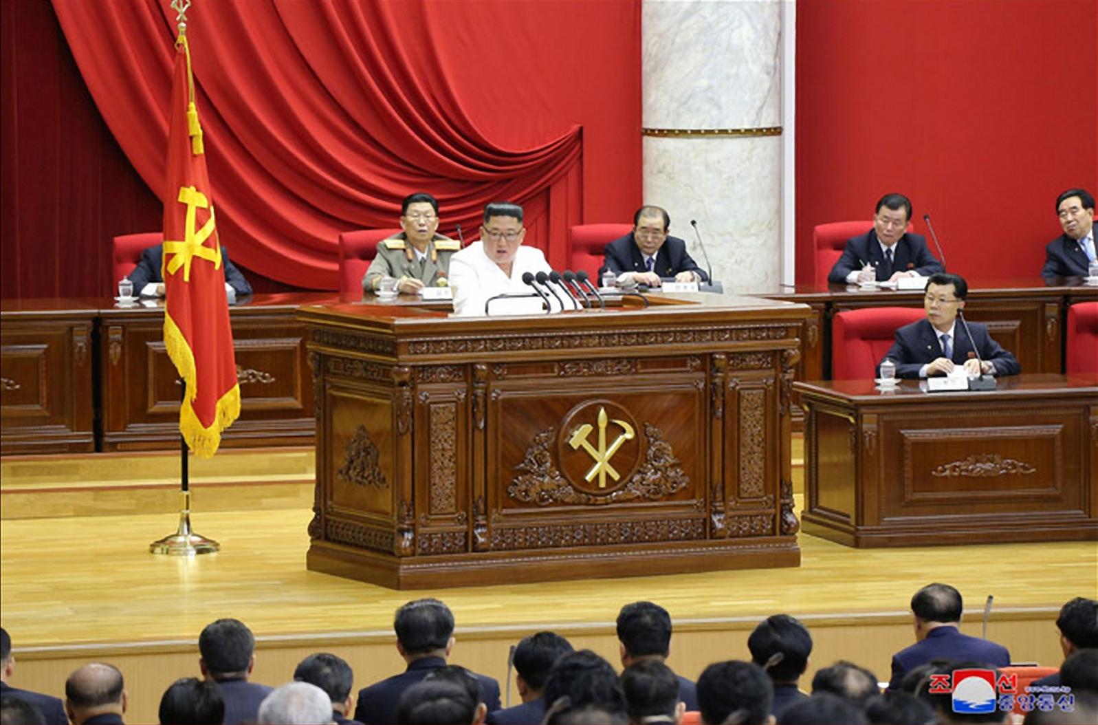 지난달 29일 이틀째 진행된 북한 노동당 제7기 5차 전원회의. [연합뉴스]