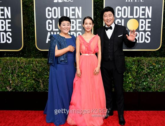 BEVERLY HILLS, CALIFORNIA - JANUARY 05: 77th ANNUAL GOLDEN GLOBE AWARDS -- Pictured: Lee Jung-Eun, Jo Yeo-jeong, and Song Kang-Ho