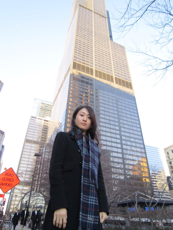 배현정 공정위 서기관이 국제카르텔과에 근무하던 2012년 미국 시카고에서 현지 국내 기업의 카르텔 예방교육에 앞서 포즈를 취했다. [공정위]