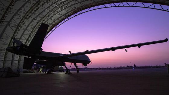 일본도 무인전투기 개발을 검토 중이다. 지난 7월 23일 미 공군 MQ-9 리퍼 무인전투기가 쿠웨이트의 알리 알 살렘 공군기지에서 엔진 테스트를 하고 있다. [AFP=연합뉴스]