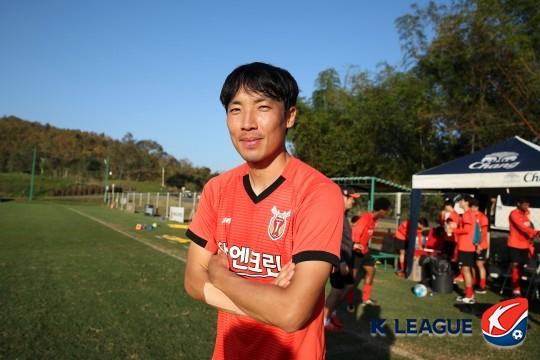 베테랑 수비수 조용형이 새 소속팀 찾기에 나섰다. [사진 프로축구연맹]
