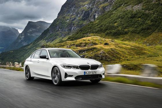 BMW 뉴 320d '가장 안전한 차'