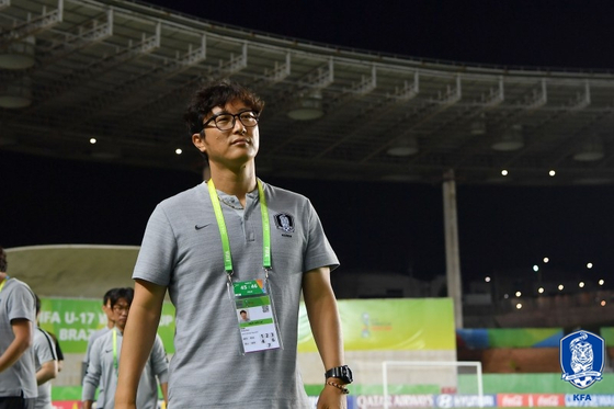 김정수 19세 이하 대표팀 감독이 김학범호 합류해 도쿄올림픽 본선행을 돕는다. [사진 대한축구협회]