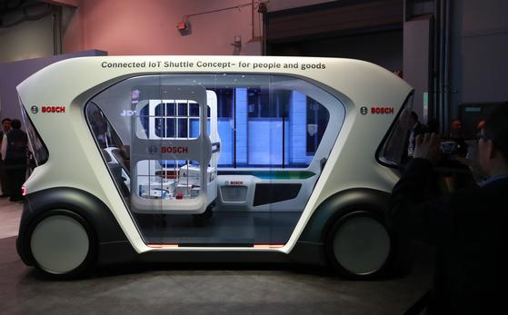 [사진] 부품 회사는 차 만들고, 차 회사는 로봇 만들고 …