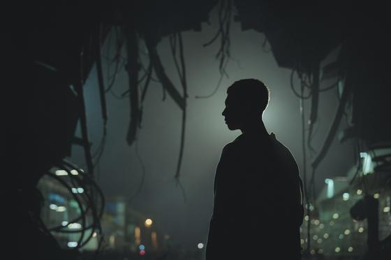 인류 최초 복제인간 서복(박보검)과 전직 정보국 요원(공유) 이야기인 '서복'은 VFX(시각특수효과)가 기대되는 SF영화.