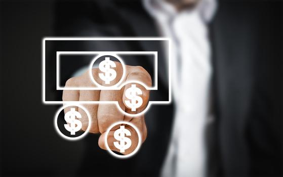앞으로 정기 예·적금이나 이에 해당하는 금융상품의 금리는 낮아지면 낮아지지 높아질 가능성은 크지 않아 보인다. 따라서 어차피 월별 정기적으로 저축할 거라면 IRP나 DC 추가 납입을 활용하는 것이 바람직하다. [사진 Pixabay]