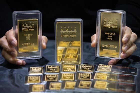 최근 미국과 이란의 갈등이 격화되며 금 등 안전자산 가격이 상승하고 있다. [중앙포토]