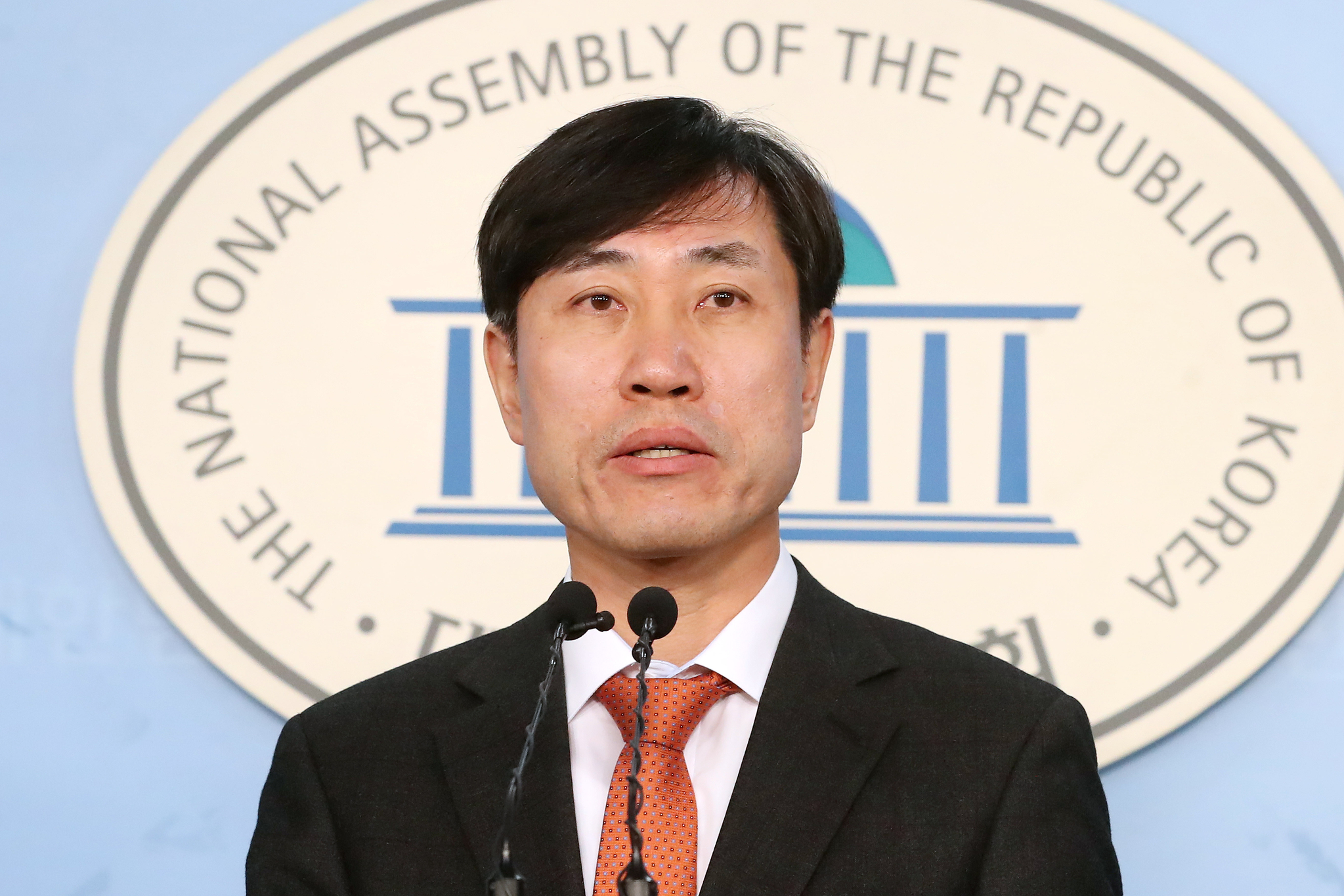 하태경 새로운보수당 책임대표가 13일 오전 서울 여의도 국회 정론관에서 기자회견을 갖고 있다. [뉴스1]
