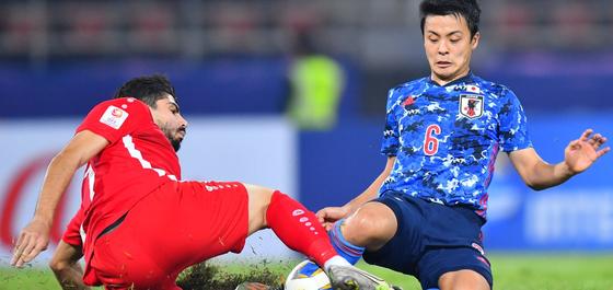 조별리그 B조 일본은 한 수 아래로 평가받는 사우디아라비아, 시리아에 2연패를 당하며 8강 진출에 실패했다. 사진=AFC 홈페이지