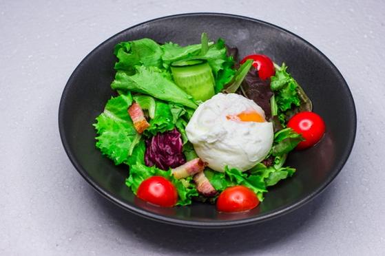 '5:2 간헐적 단식'은 5일은 평소대로 식사하고 2일은 24시간 단식을 하는 것, 'FMD 간헐적 단식'은 일주일에 2회 24시간 단식을 하고, 3~5회는 아침이나 저녁을 걸러 일상 속에서 공복감을 유지하는 방법이다. [사진 pexels]