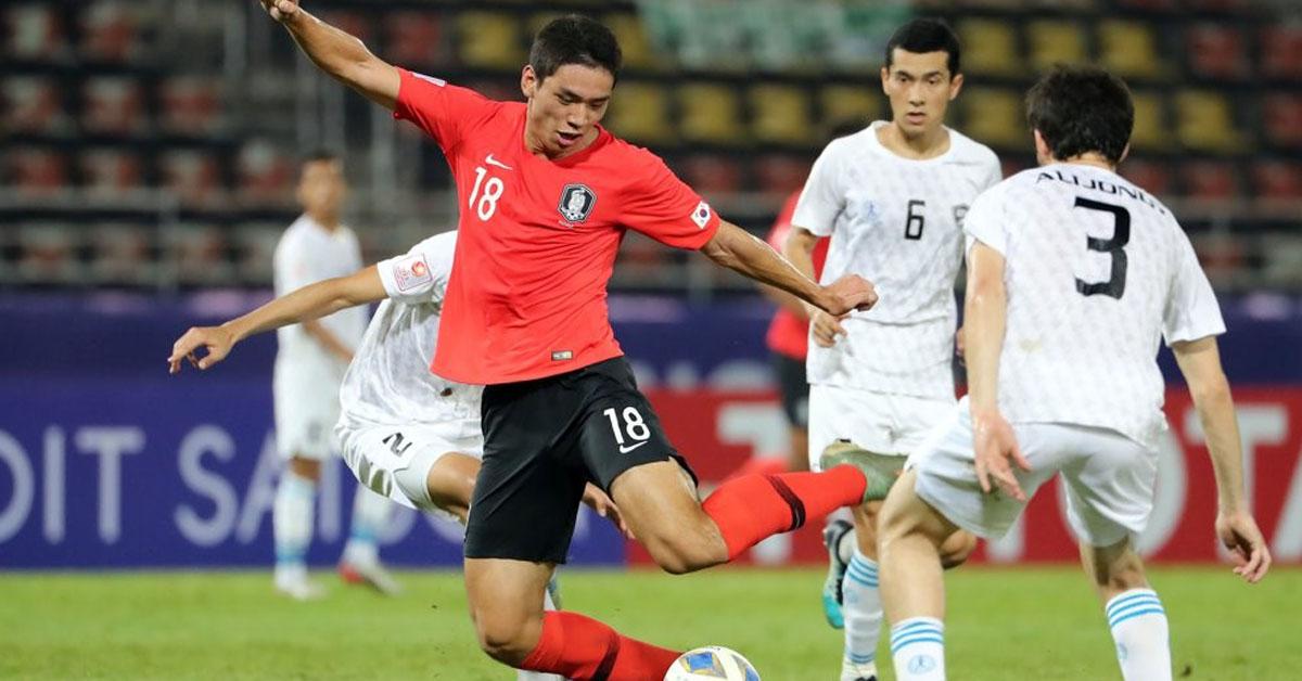 15일 오후(현지시간) 태국 랑싯 탐마삿 스타디움에서 열린 2020 아시아축구연맹(AFC) U-23 챔피언십 한국과 우즈베키스탄의 조별리그 최종전. 한국 오세훈이 골을 넣고 있다. [연합뉴스]