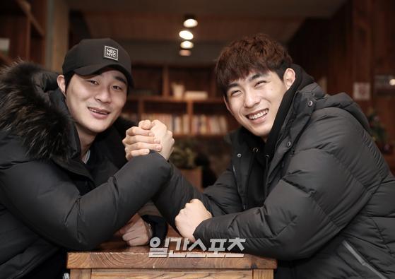 키움 히어로즈 김하성과 이정후가 성남시의 한 카페에서 일간스포츠와 인터뷰를 갖고 있다. 김민규 기자
