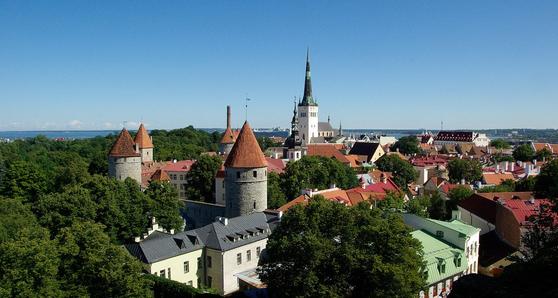 중세 건축물이 그대로 남아 있는 에스토니아 수도 탈린. 구시가지는 유네스코 세계유산에 등재됐다. [사진 픽사베이]