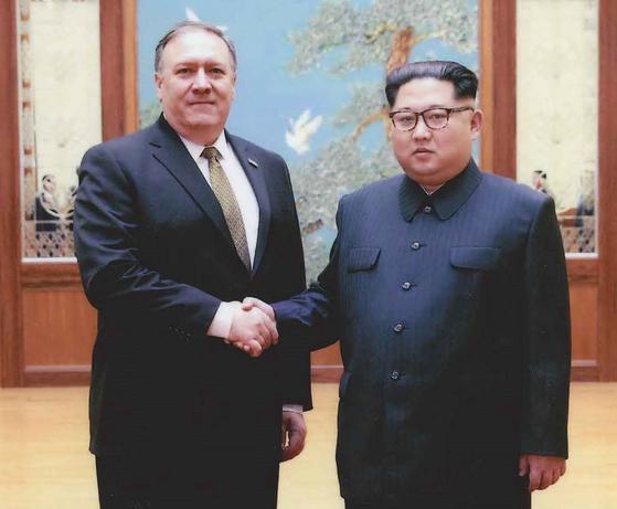 2018년 비밀리 방북해 김정은 국무위원장을 만났던 마이크 폼페이오 국무장관(당시 CIA 국장)[DPA=연합뉴스]