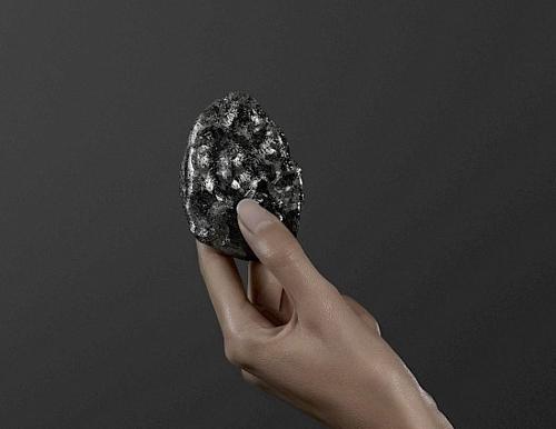 프랑스 명품 패션 브랜드 루이뷔통이 캐나다 광산업체 루카라 다이아몬드에서 구매한 역사상 두번째로 큰 다이아몬드 원석. [연합뉴스]